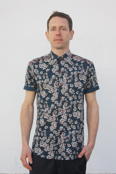 Baïsap - Men's floral short sleeve button up - Blue Blossom - Blue floral shirt for men, light cotton
